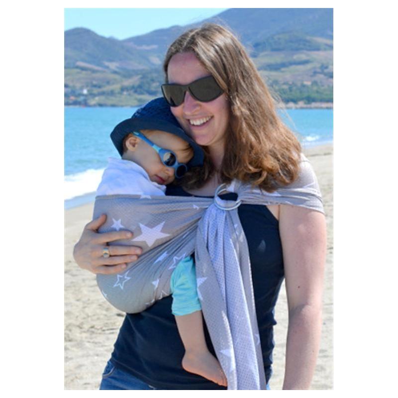 Le porte-bébé Sukkiri est un sling fait de maille douce et respirante. La  maille laisse efficacement s échapper votre chaleur et celle de votre bébé.  Grâce ... 59627cf7752