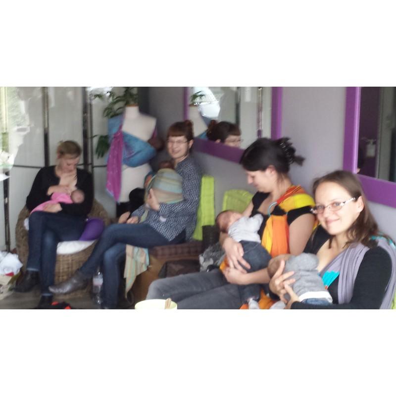 Tikoala propose un atelier de portage côté pour apprendre à porter son bébé  en écharpe en toute sécurité. Cet atelier de portage bébé a lieu à la  boutique ... 8efbd7d9a85